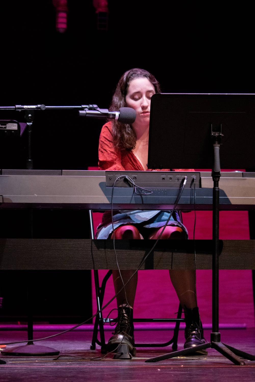 Senior+Fiona+Macphail+performed+piano+and+impressive+vocals.